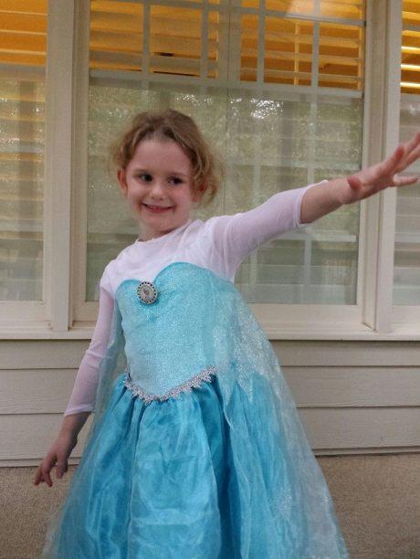 Little girl as Elsa