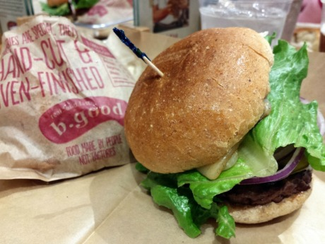 all-natural farm-fresh burgers at B.Good at North Hills ; dining in Raleigh, N.C.